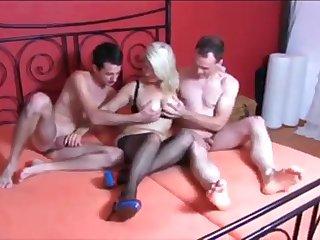 Deutsch milf gets anal and threesome with best friend