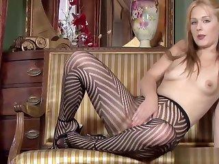 Blondie Pussy Plays In Pantyhose