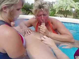 Three GERMAN mommies Help Guy To Spunk On Holiday In FFFM - ANALDIN