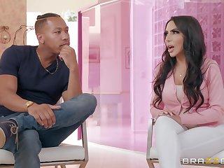 Glamour booty MILF Lela Star interracial sex clip