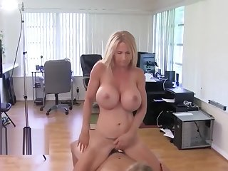 Busty Big Natural Tits Brooke Tyler, Cougar's New friend