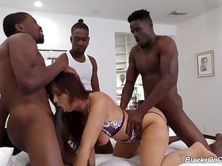 Hardcore interracial MMMF foursome with gorgeous MILF Syren Demer