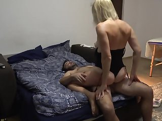 A Night with a Crazy mommy - she Loves to Lick Balls and Anus