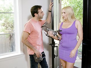 Hot housewife Christie Stevens spreads her legs for fucking