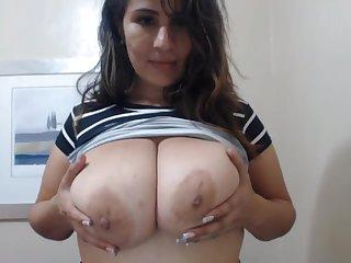 Big tits amateur on Webcam