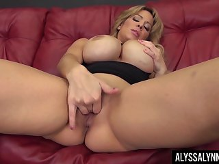 The epitome of a knockout Alyssa Lynn is one sexy MILF who loves solo sessions