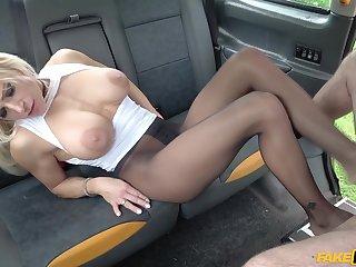 Tara Spades cheats husband with taxi driver