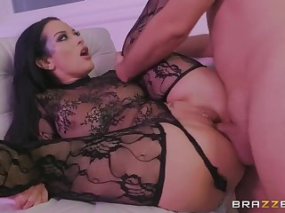 Katrina Jade shows her Dark Side to Keiran Lee