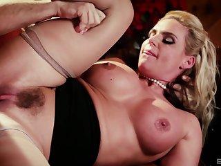 Round butt MILF Phoenix Marie moans during hardcore fucking
