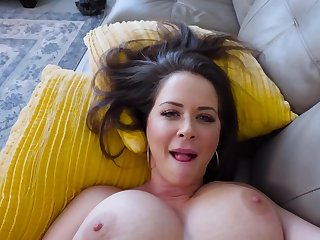 MILF finds a source of sexual pleasure thanks to stepson's cock