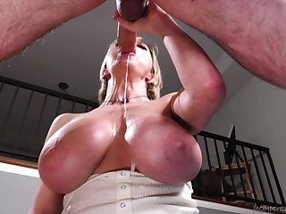 Experienced mature whore Dee Williams gives a sloppy blowjob
