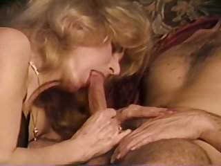 Milf Gets Her Pussy Double Fucked In Retro Porn